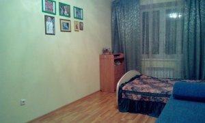 Сдам двухкомнатную квартиру на улице Октябрьской революции