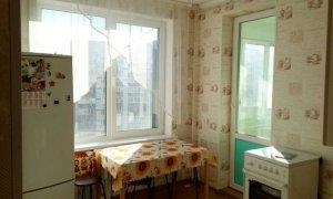 Однокомнатная квартира с косметическим ремонтом по улице Цюрупы