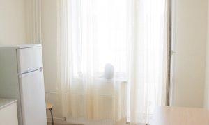 """Сдается однокомнатная квартира с качественным ремонтом в новом доме рядом с остановкой """"Госцирк"""""""