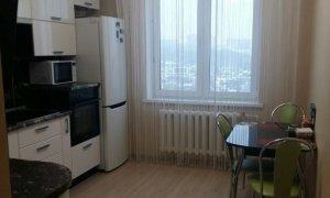 Сдается двухкомнатная квартира в Солнечном микрорайоне