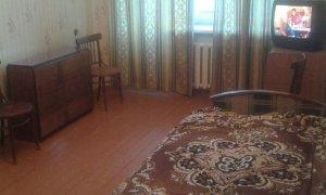 Сдается недорогая бюджетная квартира на проспекте Октября.